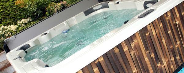 Passer par un guide d'achat de spa de nage